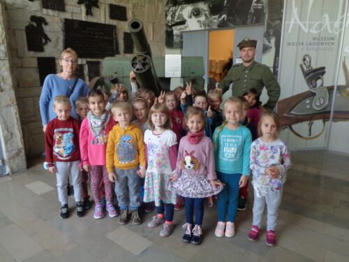 2021.09.30-Wycieczka-do-Muzeum-Wojsk-Ladowych-Gr.-IV2-15-