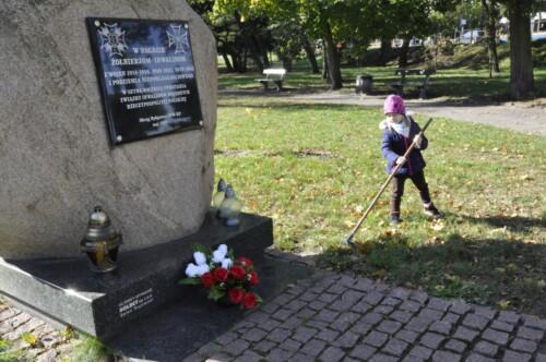 2021.10.01-Dbamy-o-Obelisk-upamietniajacy-zolnierzy-z-wojen-Gr.-V-3